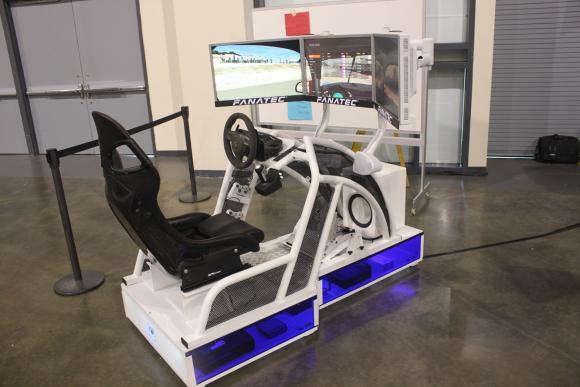 Fanatec Rennsport Cockpit Underfloor Edition Photos