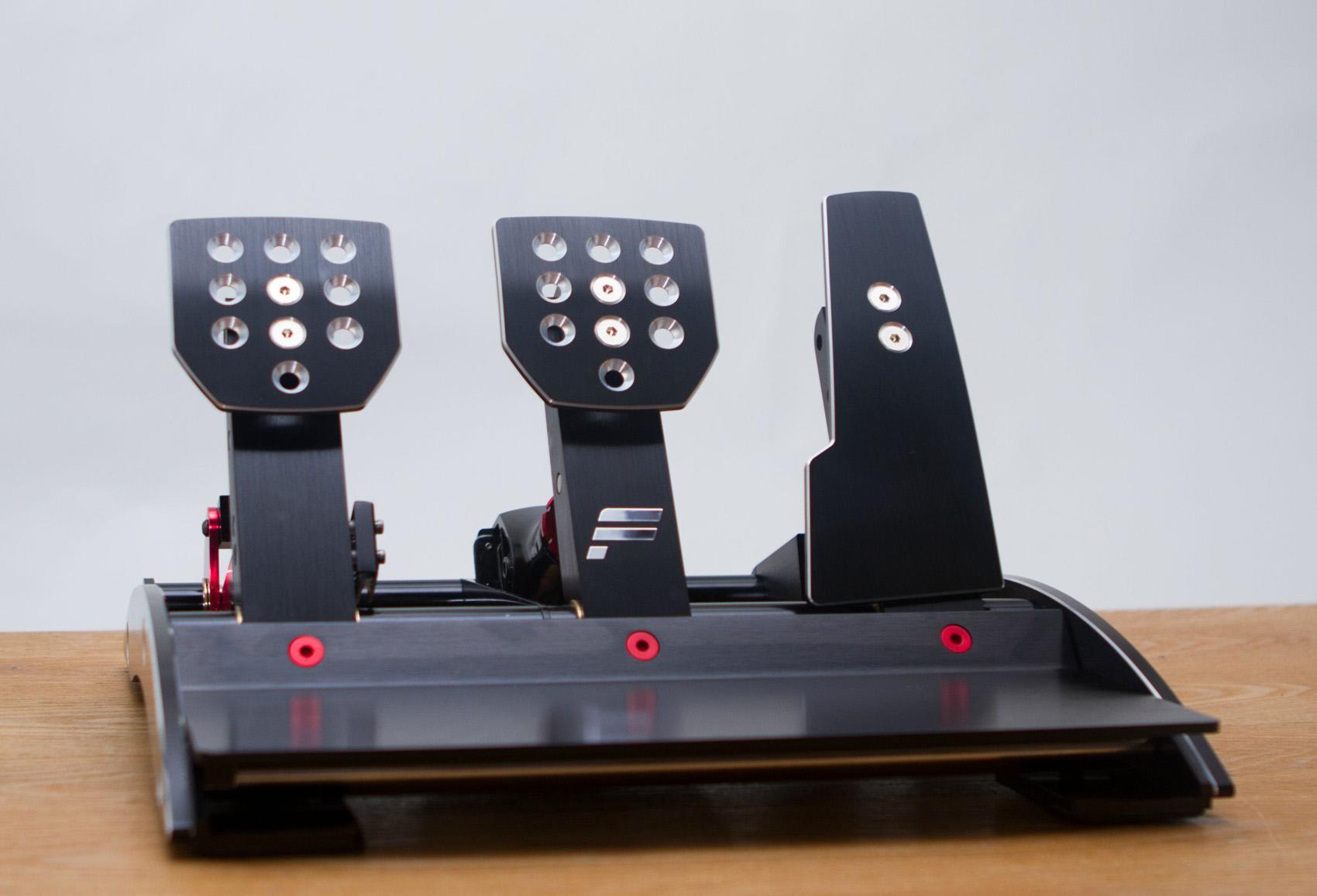 Fanatec Clubsport Pedals V3 Unboxing Footage Virtualr