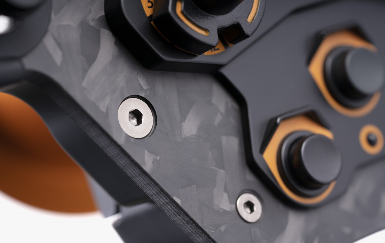 LE2020_detail-1_1280x1280 Fanatec Limited Edition ClubSport F1 2020 Steering Wheel – User Guide