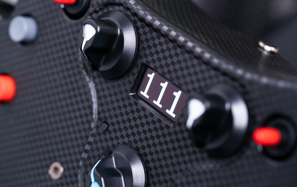 1 Fanatec Reveals The CSL Elite McLaren Steering Wheel V2