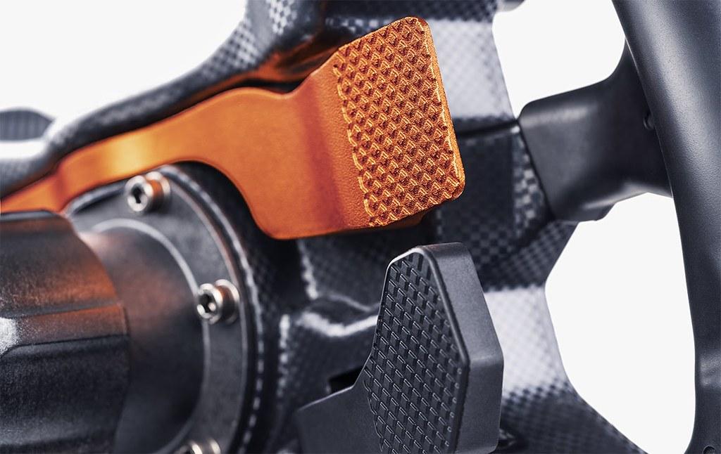 3 Fanatec Reveals The CSL Elite McLaren Steering Wheel V2